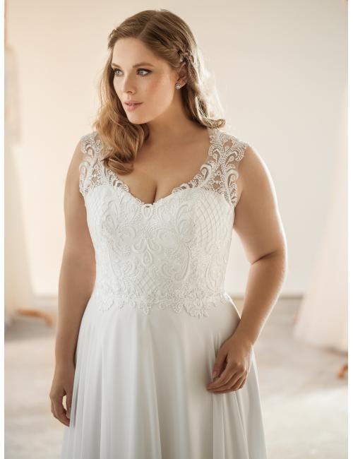 plus size svatební šaty Nicole