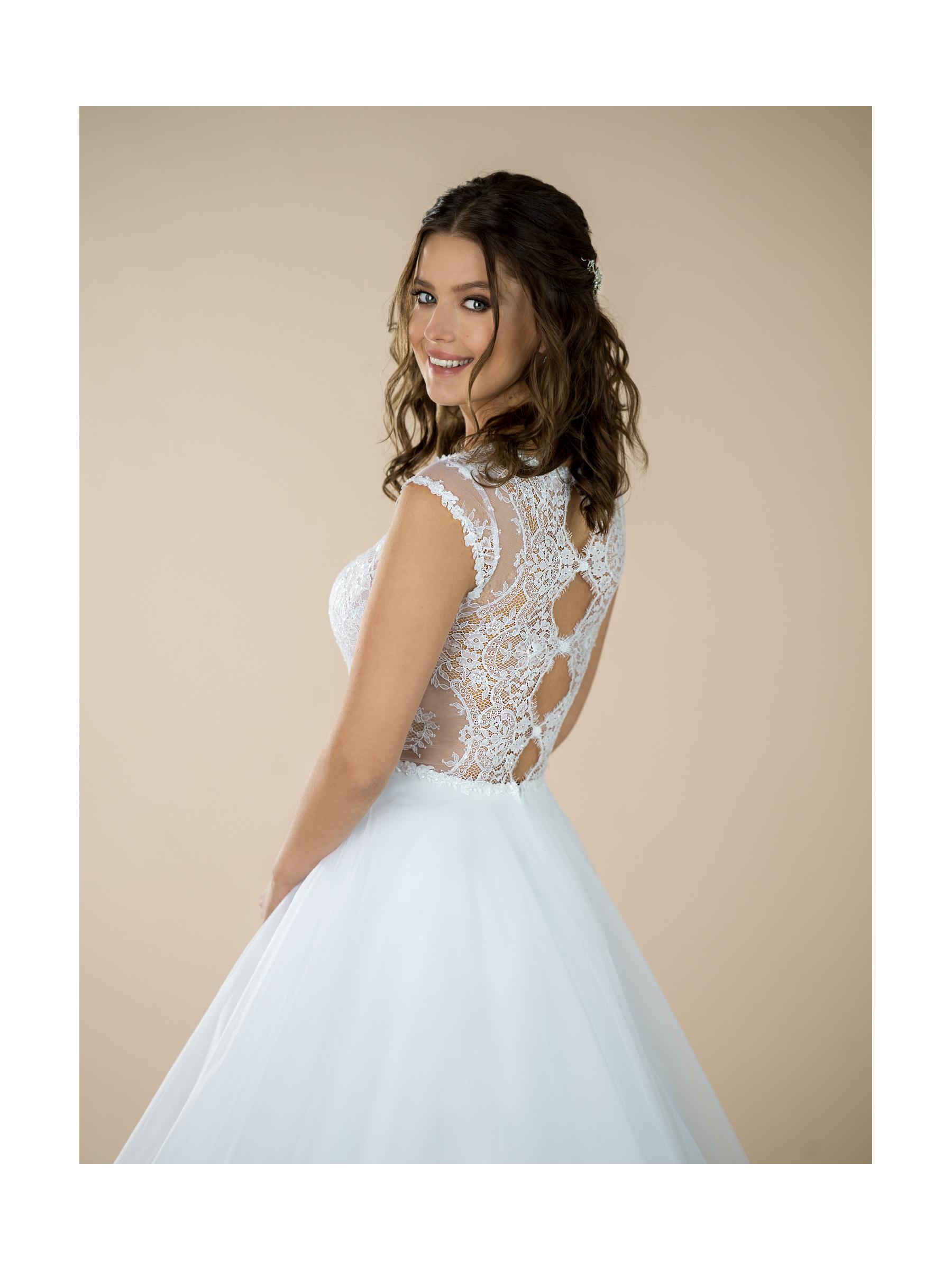 svatební šaty Maya