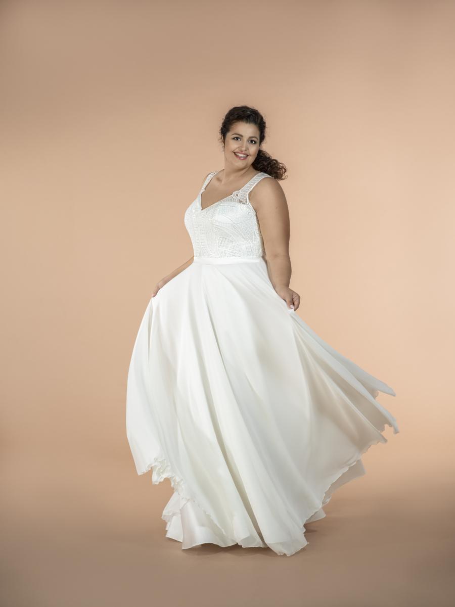 plus size svatební šaty Calliope