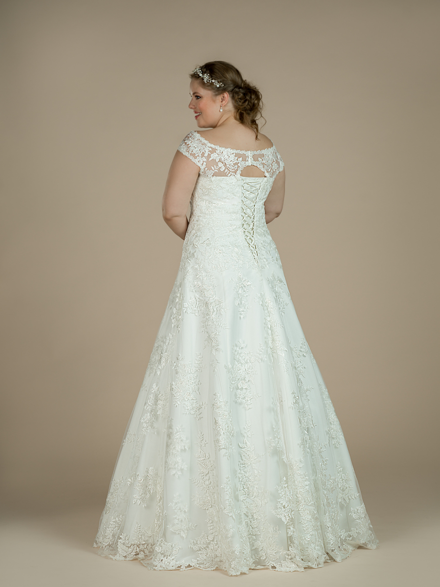 plus size wedding dress Loretta