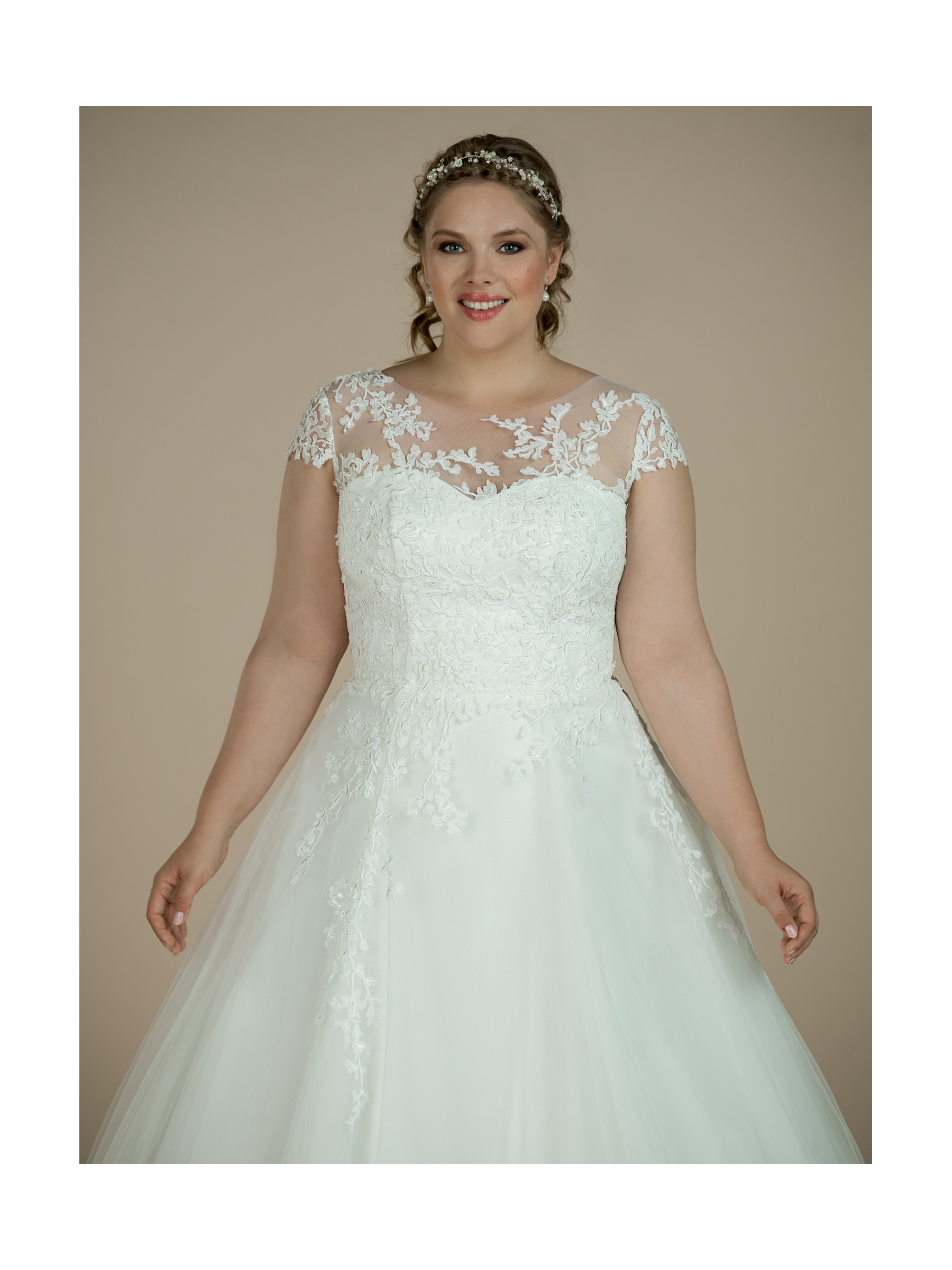 plus size svatební šaty Lyla