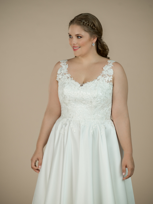plus size wedding dress Harlow