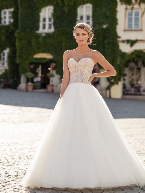 korzetové svatební šaty s perličkami
