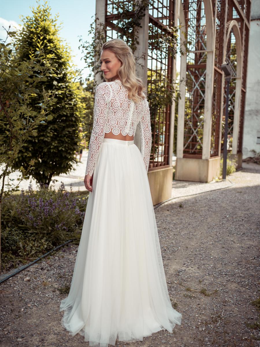 krajkový top s tylovou sukní